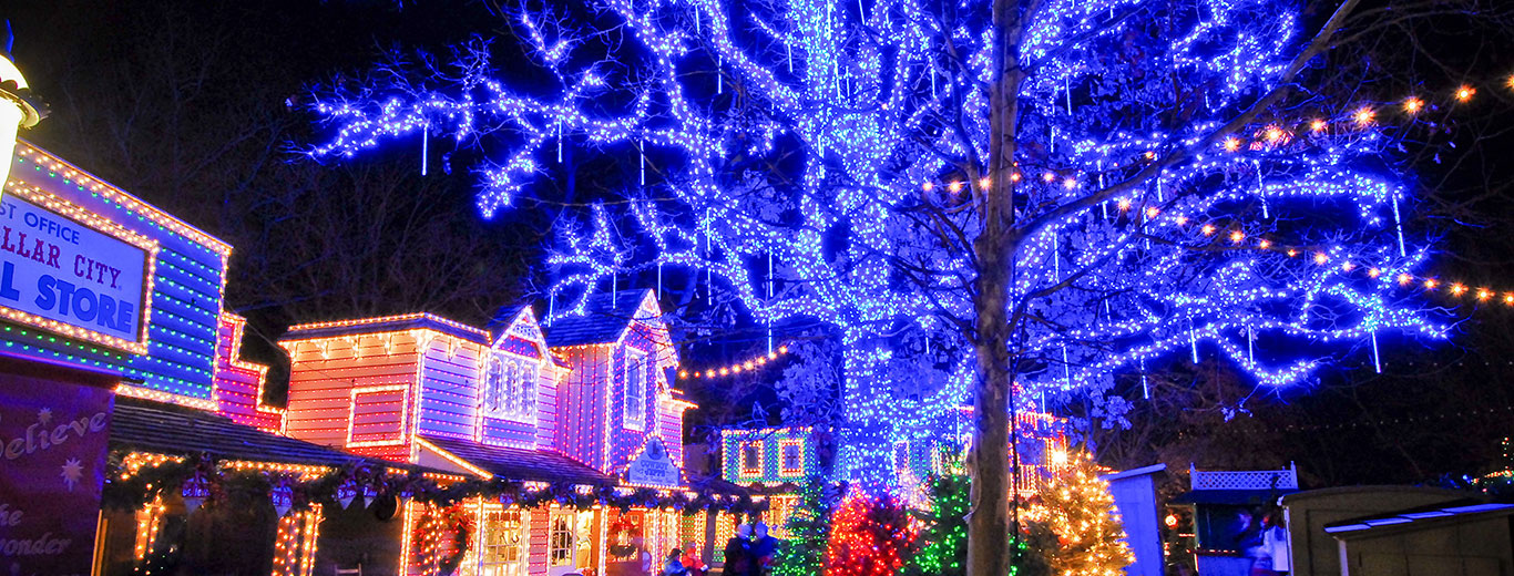 Silver Dollar City Christmas.Christmas In July
