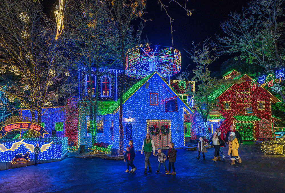 then on friday saturday silver dollar city opens extra early for another of americas favorite thanksgiving weekend traditions shopping - Silver Dollar City Christmas