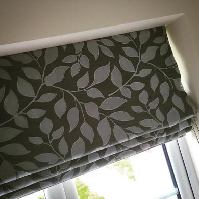 leaf effect roman blind fabric