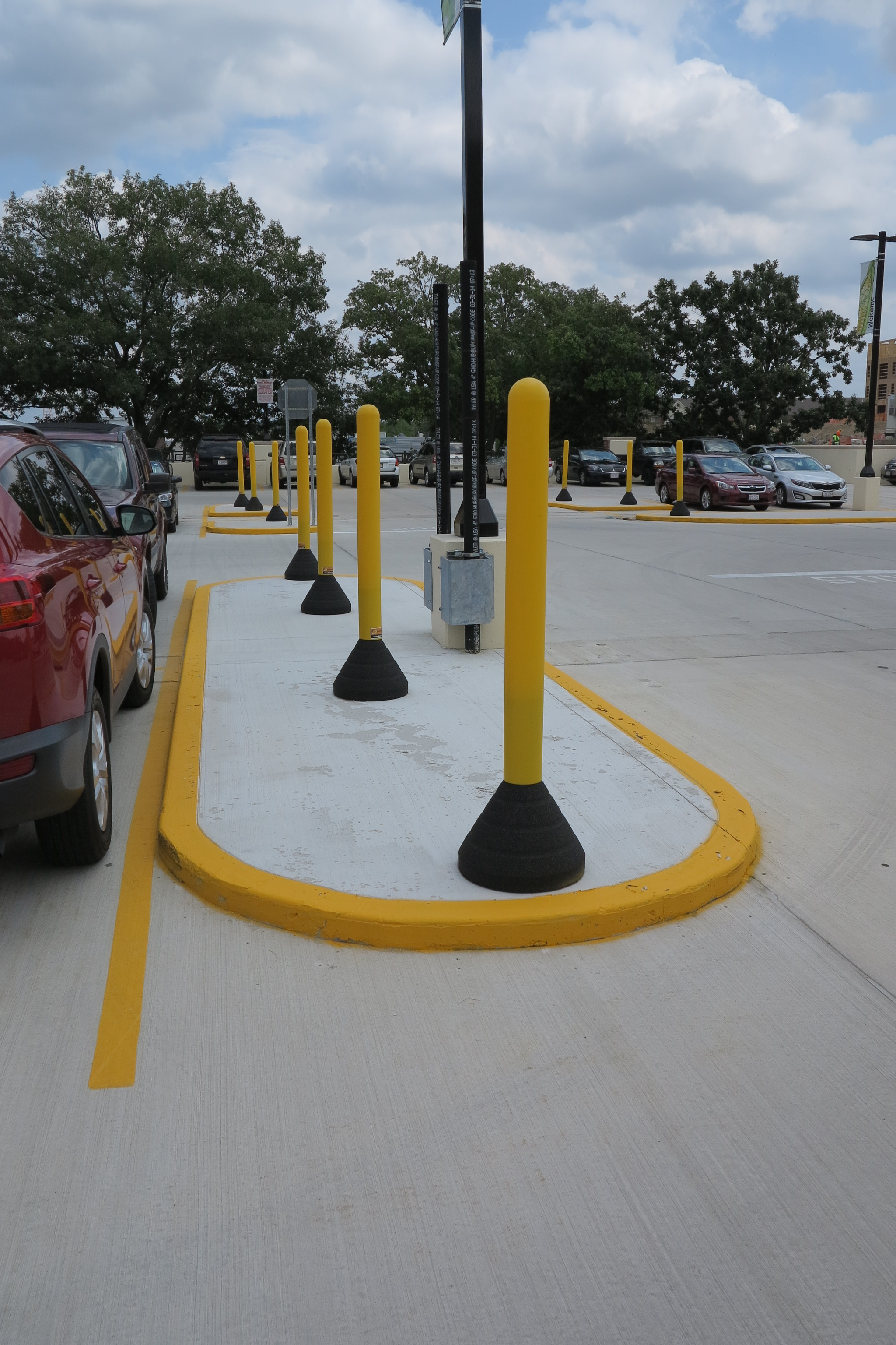 Portable Bollard Base | RubberForm Recycled Products