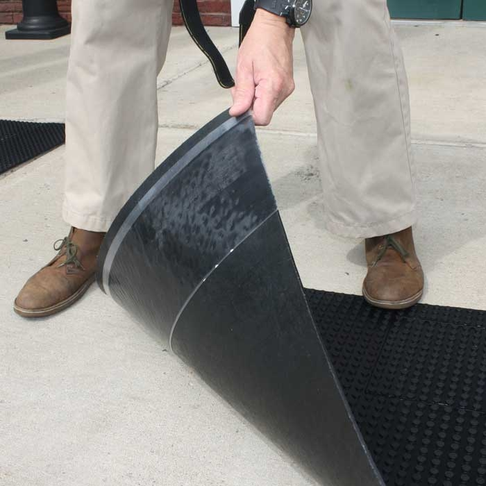 Rooftop Walkway Rubber Mats | RubberForm Products