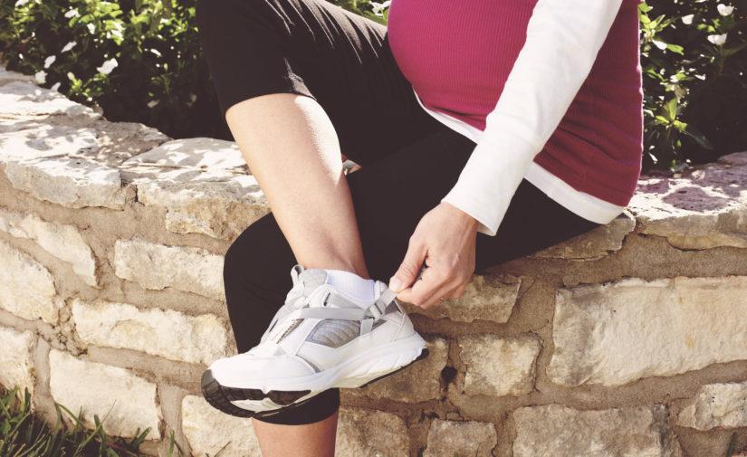 phụ nữ mang thai lái xe toyota