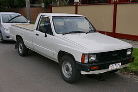 xe Toyota Hilux 4