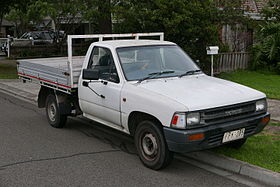 xe Toyota Hilux 5