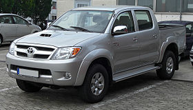 xe Toyota Hilux 7