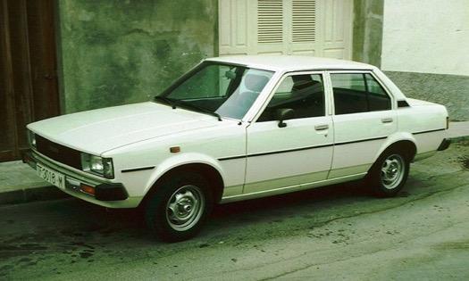 Xe Corolla Altis thế hệ thứ tư  (E70; 1979-1982)