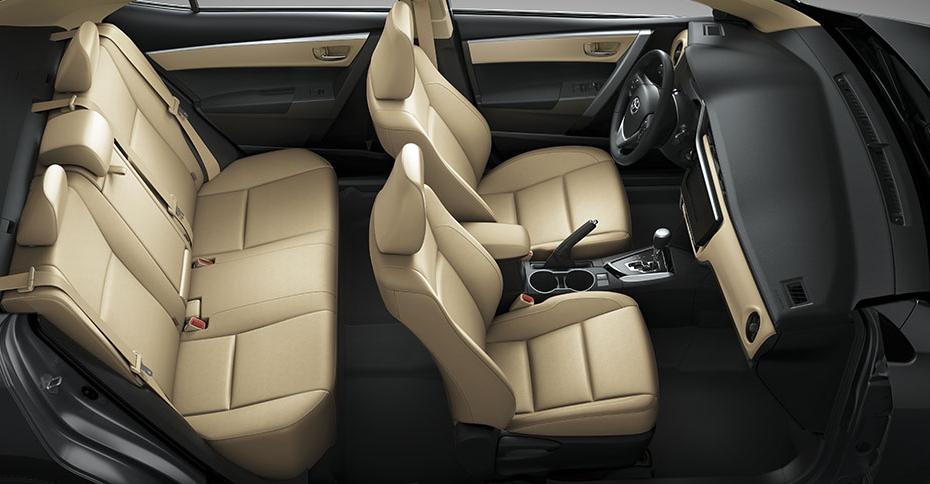 Nội thất xe Corolla Altis 2017