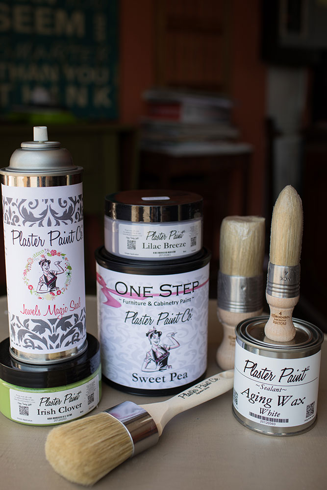 Fans of the Plaster Paint brand praise it for its ease of use and its consistency in covering just about any surface you might apply it to.