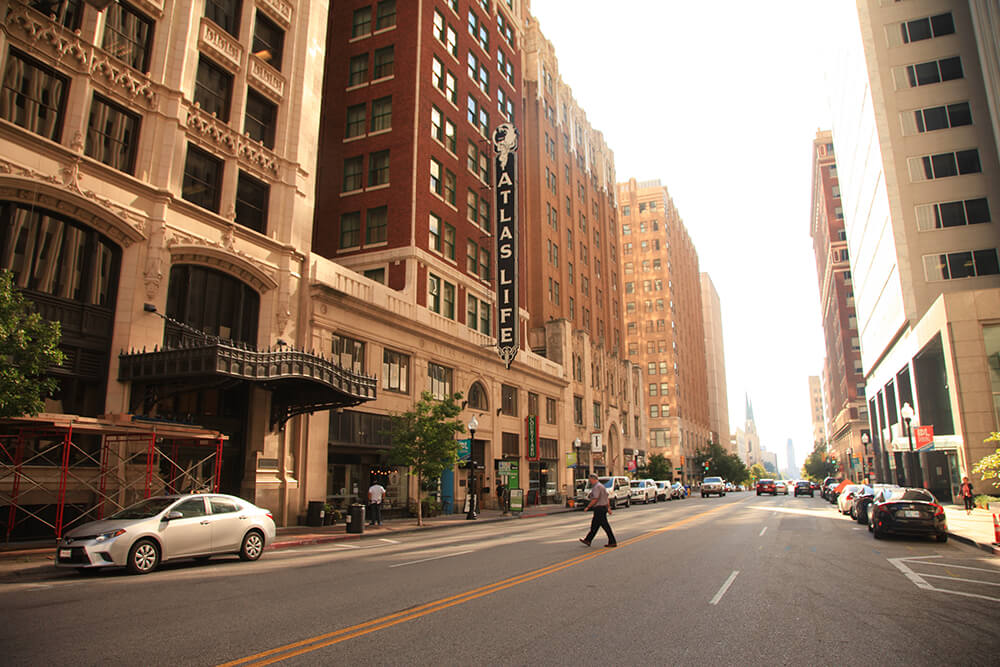 A perfect place to enjoy the historic art deco architecture of downtown Tulsa, the Deco District offers eclectic, elegant locally owned shops perfect for the holiday season. (Photo: Marc Rains)