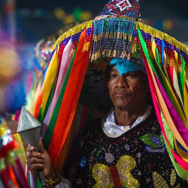 Caboclo com vestimentas do Bumba Meu Boi
