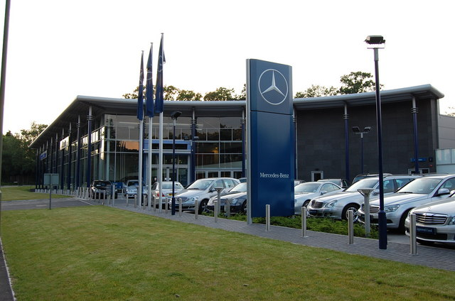 Premium Towing Service Tow A Mercedes To A MercedesBenz Dealership - Www mercedes benz dealers