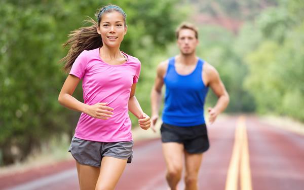 couple-running-breathing-easily