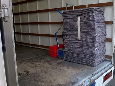 photo of u move blankets