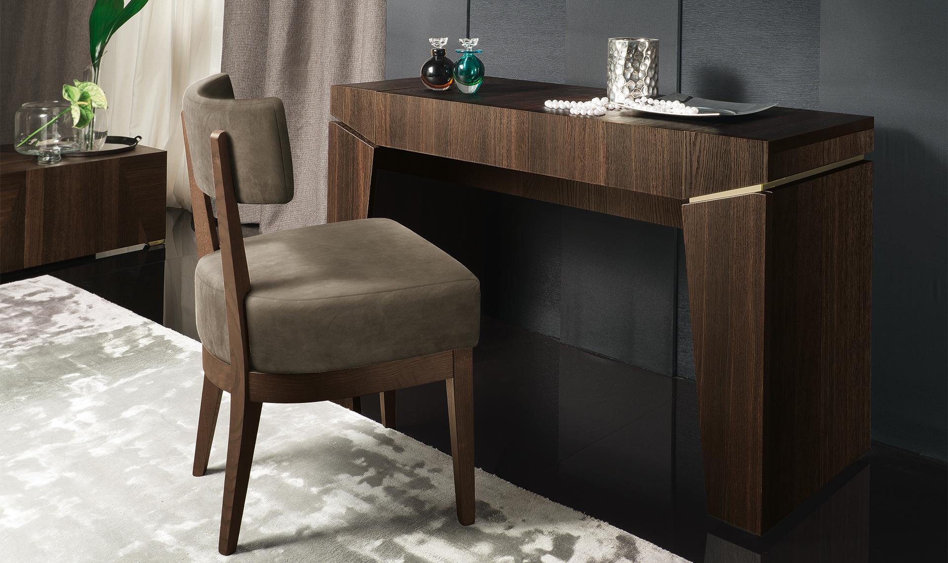Accademia Bedroom  Vanity & Mirror & Vanity Bench