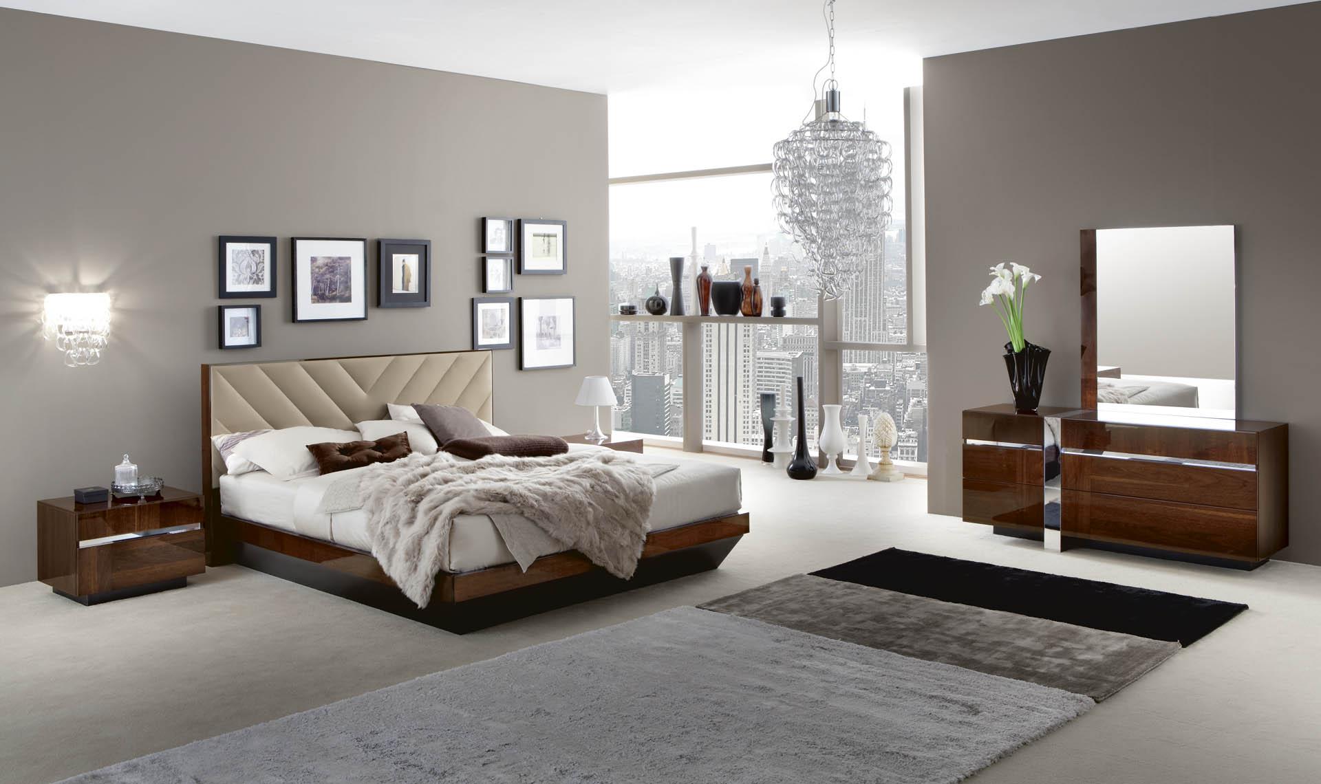 Italia Bedroom Overview