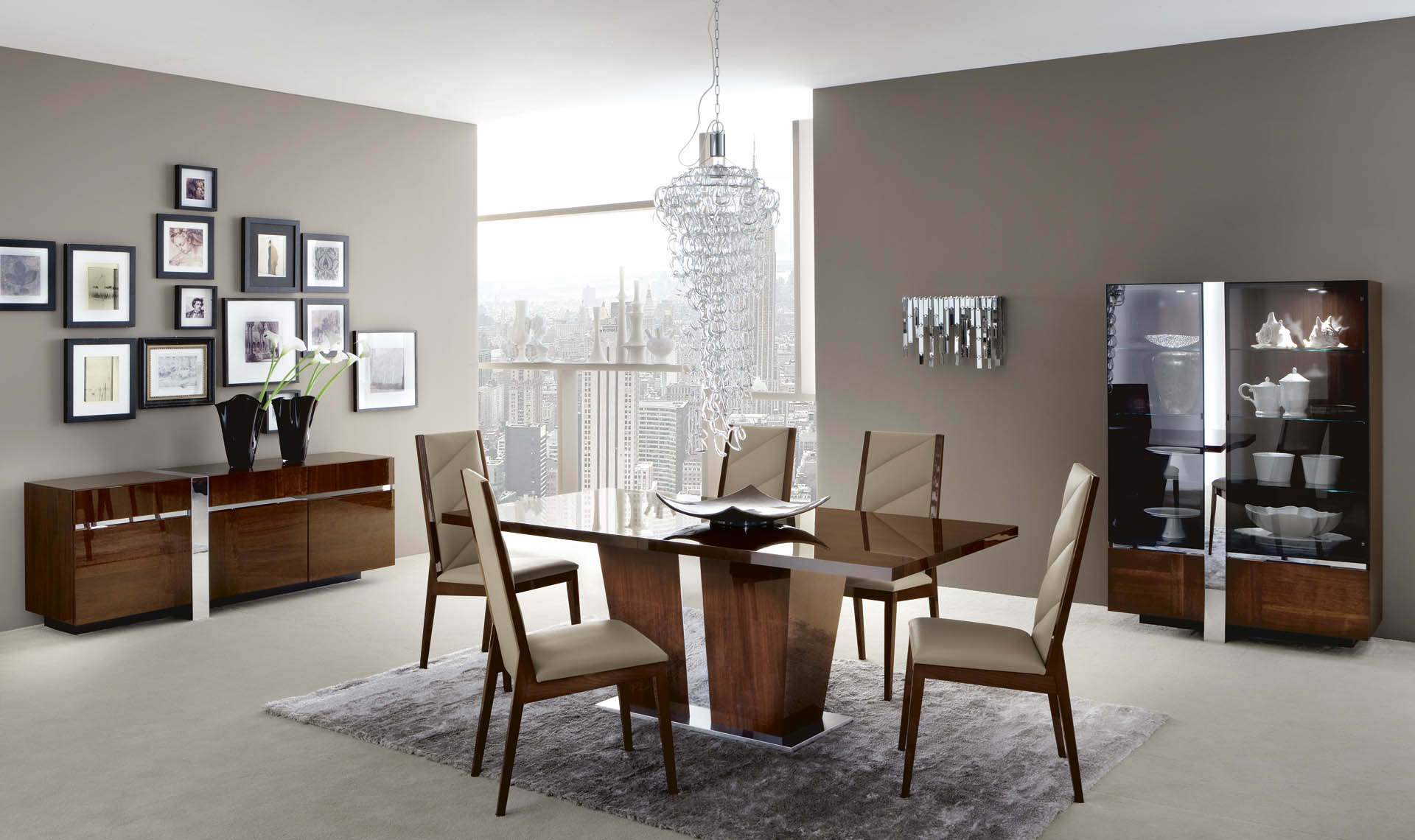 Italia Dining Room overview