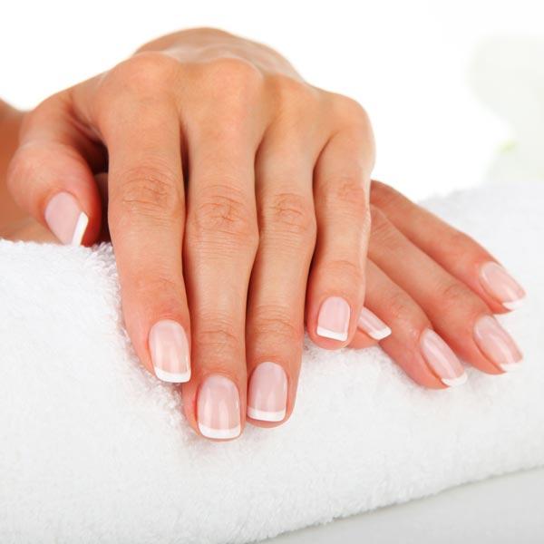 Lassen Sie ihre Hände und Füße bei Easy Beauty auf Vordermann bringen mit unseren Pediküre und Maniküre Behandlungen. Sie bekommen nur höchste Qualität, angefangen bei Shellack bis O.P.I..