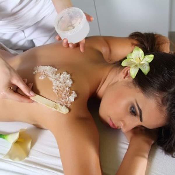 Lassen Sie sich mit unseren Massagen verwöhnen. Von klassischen Massagen über Hot-Stone und Muschelmassage bis zu Honigmassage und Peelings bekommen Sie bei Easy Beauty alles wonach sie sich sehnen.