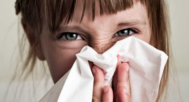 Niña con alergia