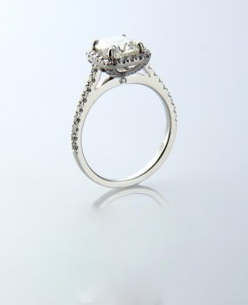 Engagement ring link
