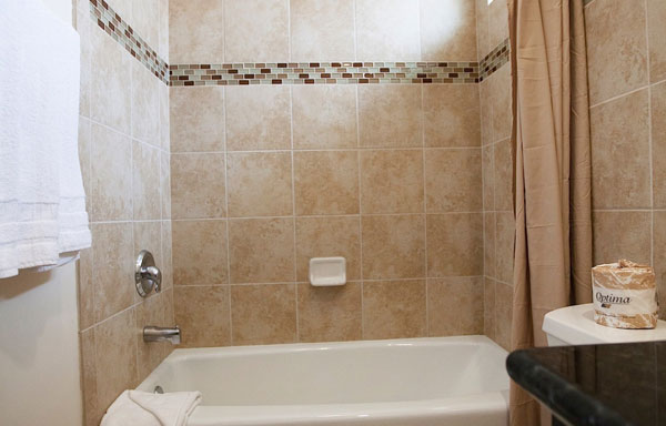 Dunes Inn Sunset Bathroom 06