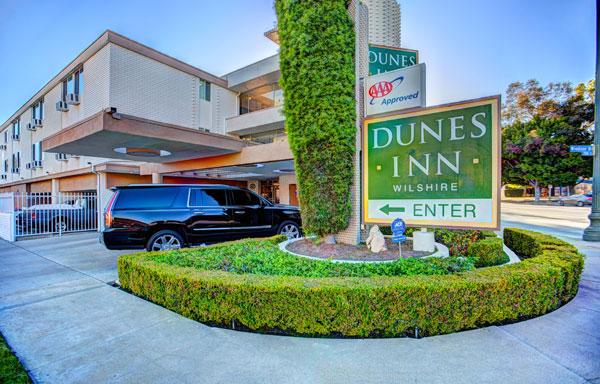 Dunes Inn Wilshire Enter West