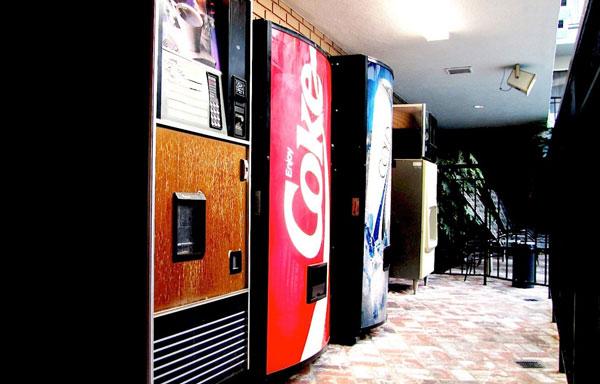 Dunes Inn Wilshire Vending Machine