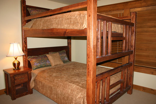 Northwest Handmade Furniture Lodge Bunk Beds
