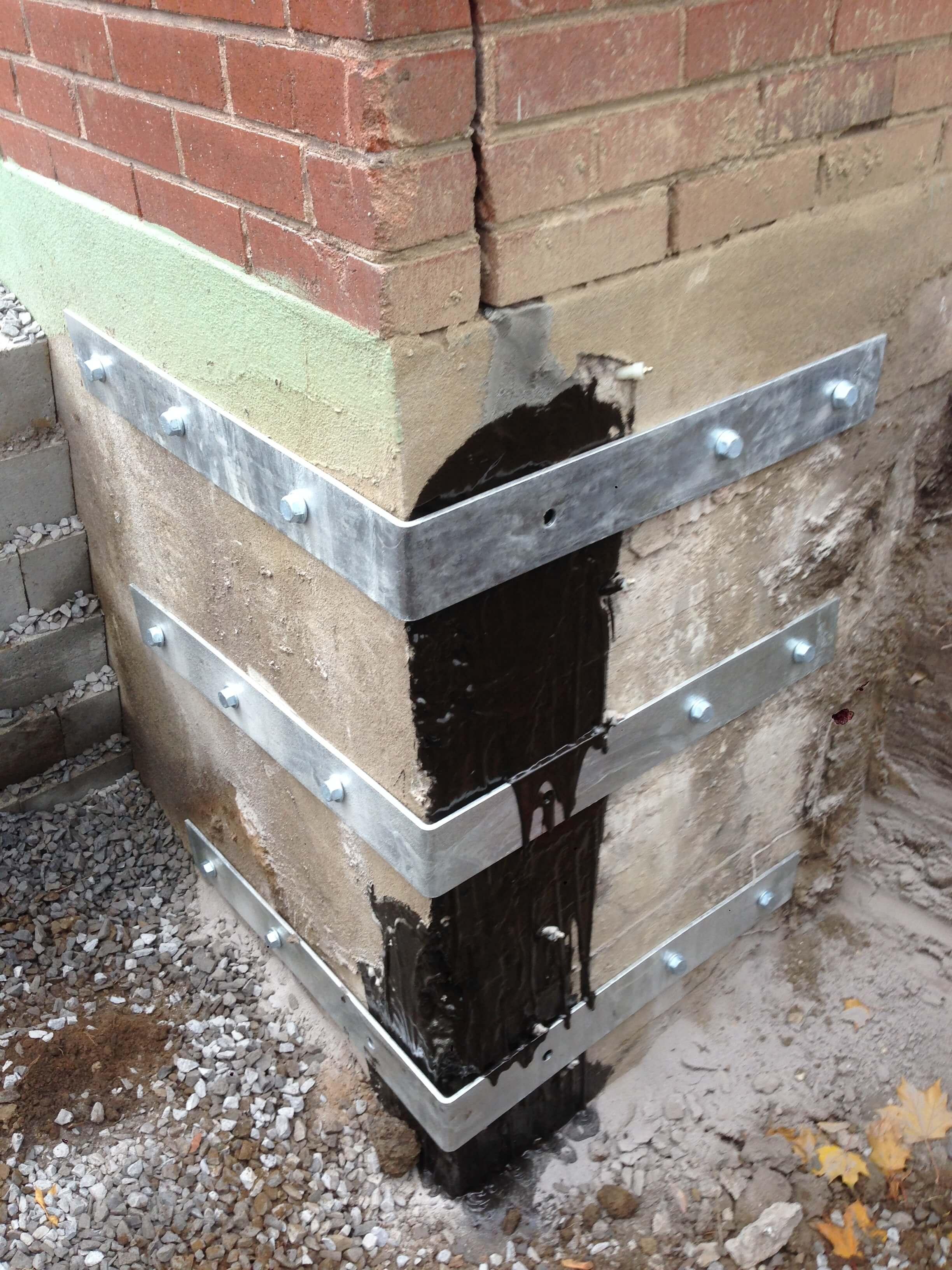 Fissure fondation r paration de b ton duraseal montr al qc for Colle pour fissure beton
