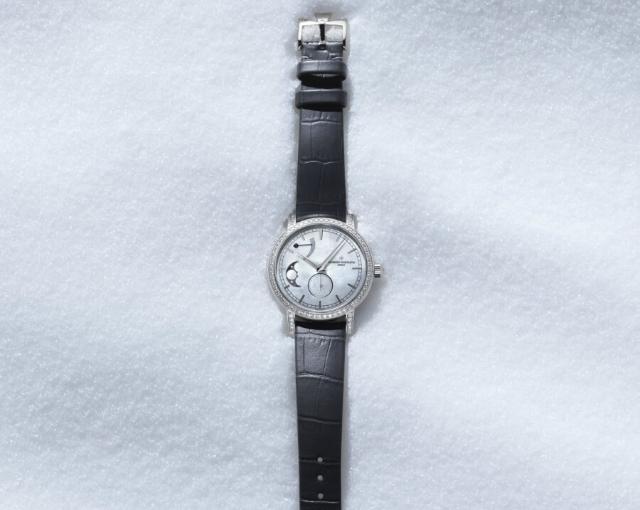 Review Vacheron Constantin Traditionnelle Moon Phase and Power Reserve