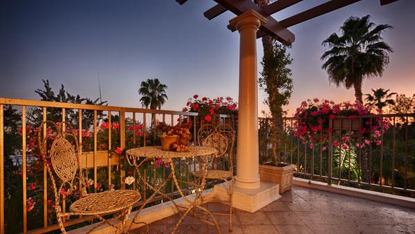 Best Western PLUS Sunset Plaza Balcony View of Sunset Blvd