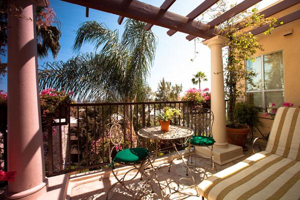 Best Western PLUS Sunset Plaza Balcony Suite On Sunset