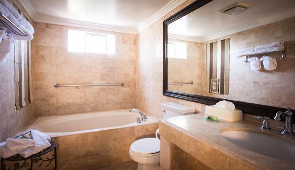 Best Western PLUS Sunset Plaza Balcony Suite Bathroom