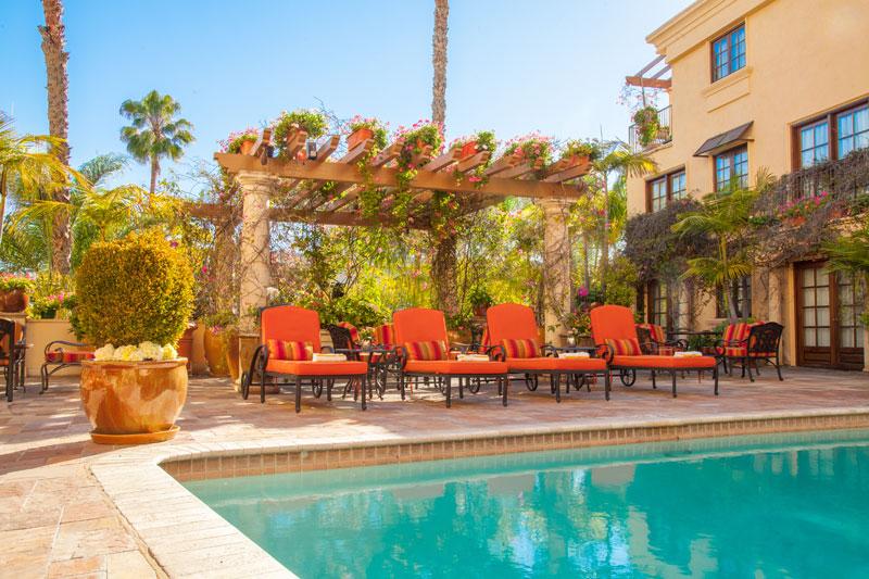 Best Western Sunset Plaza Pool & Courtyard