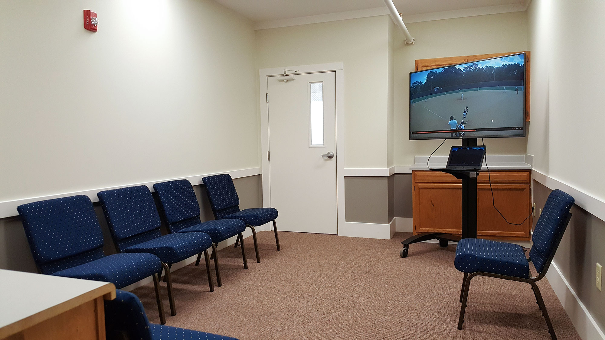 Photo of breakout room in the Conference building.