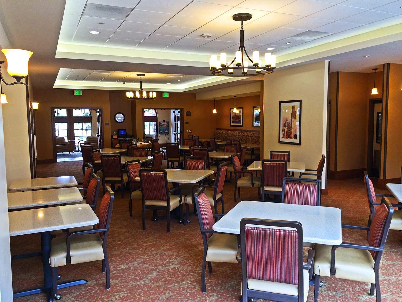 St. Paul's Plaza interior dining room