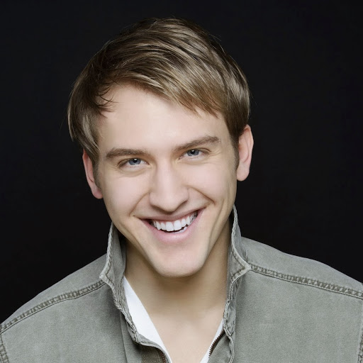 Nick Rehberger Broadway Best Vocal Coach Matt Farnsworth Vocal Studio Best Voice Teacher in the World NY MF Voice app Singing