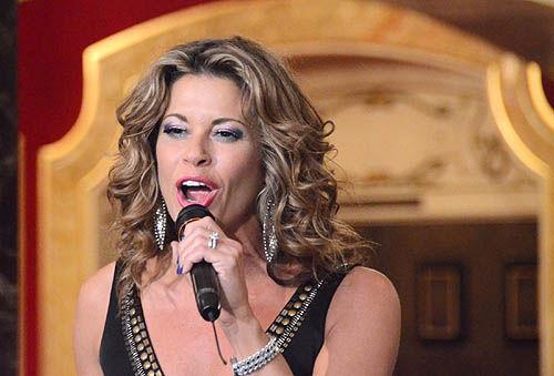 Rachelle Rak Broadway Best Vocal Coach Matt Farnsworth Vocal Studio Best Voice Teacher in the World NY MF Voice app Singing