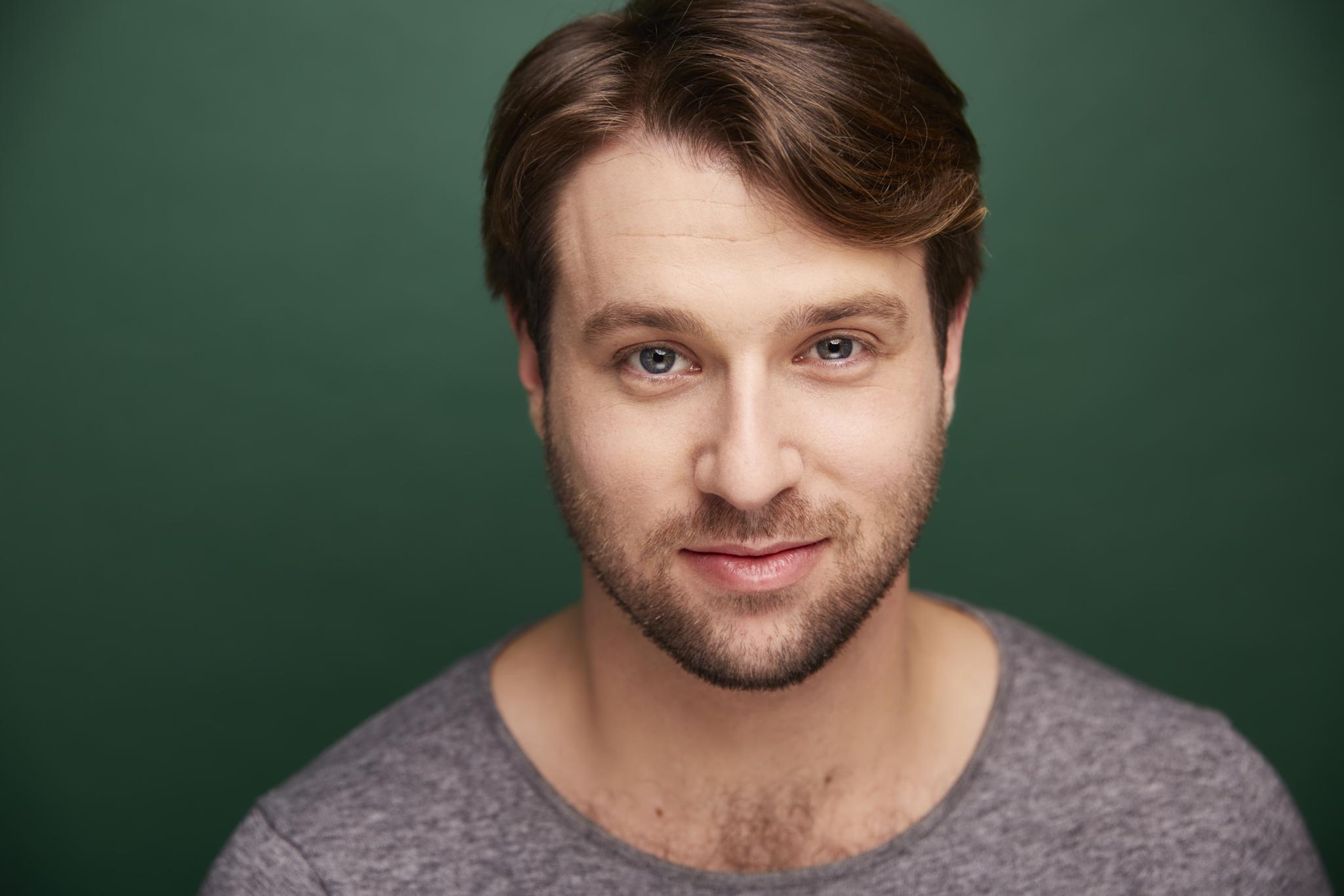 Zachary Spiegel Broadway Best Vocal Coach Matt Farnsworth Vocal Studio Best Voice Teacher in the World NY MF Voice app Singing