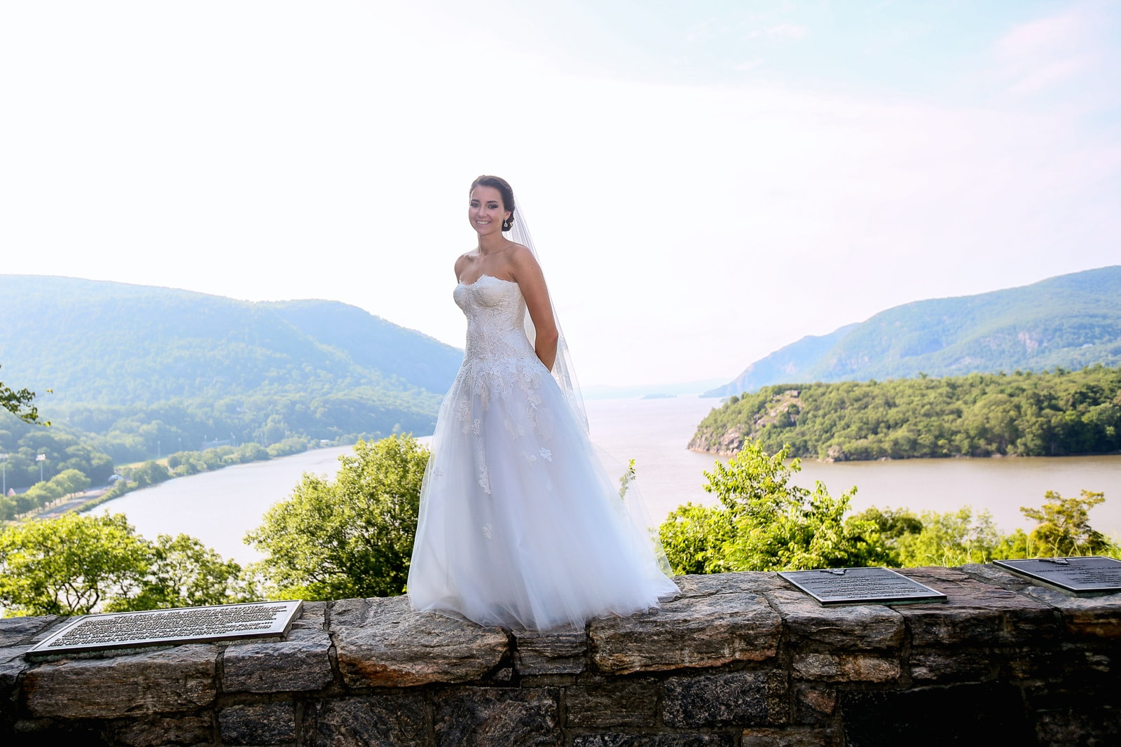 Beautiful bride on top of the worlf at Trophy point