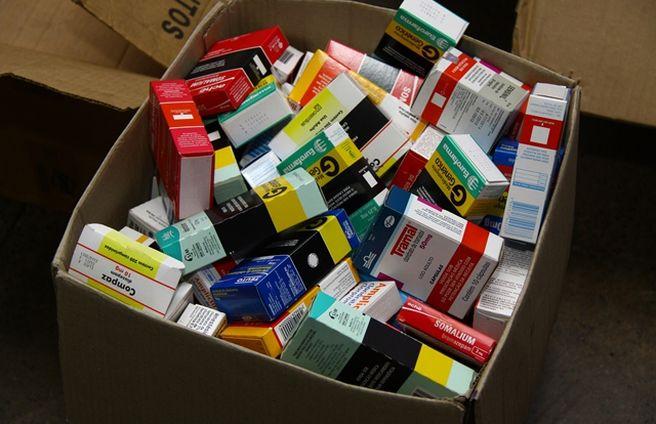 SIC detém cidadãos que comercializam medicamentos expirados