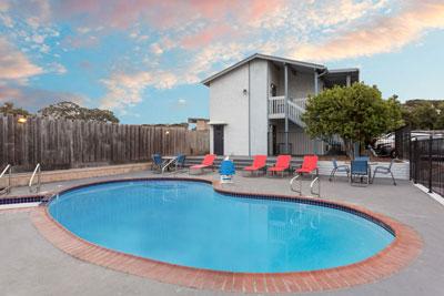 Ramada Monterey Pool
