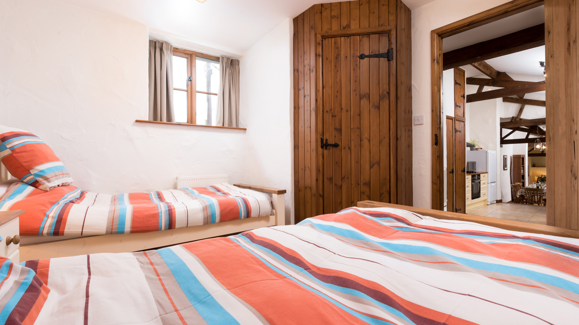 The Byre twin bedroom