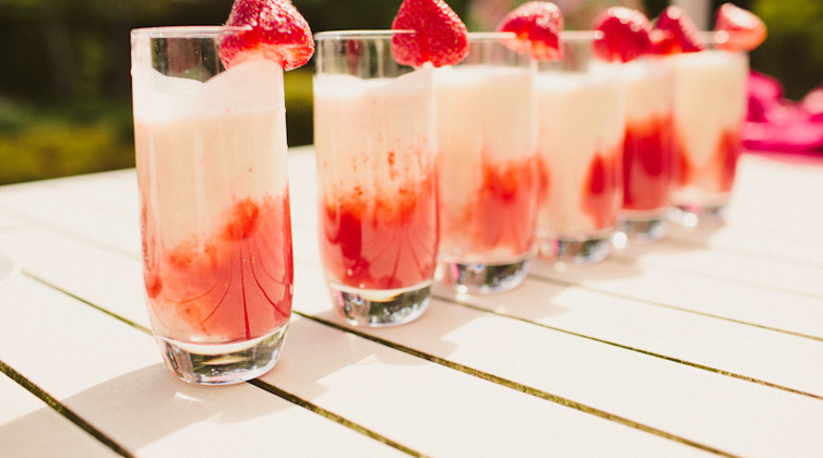 5 signature drink ideas for your hawaii wedding borrowed blue 5 signature drink ideas for your hawaii wedding junglespirit Gallery