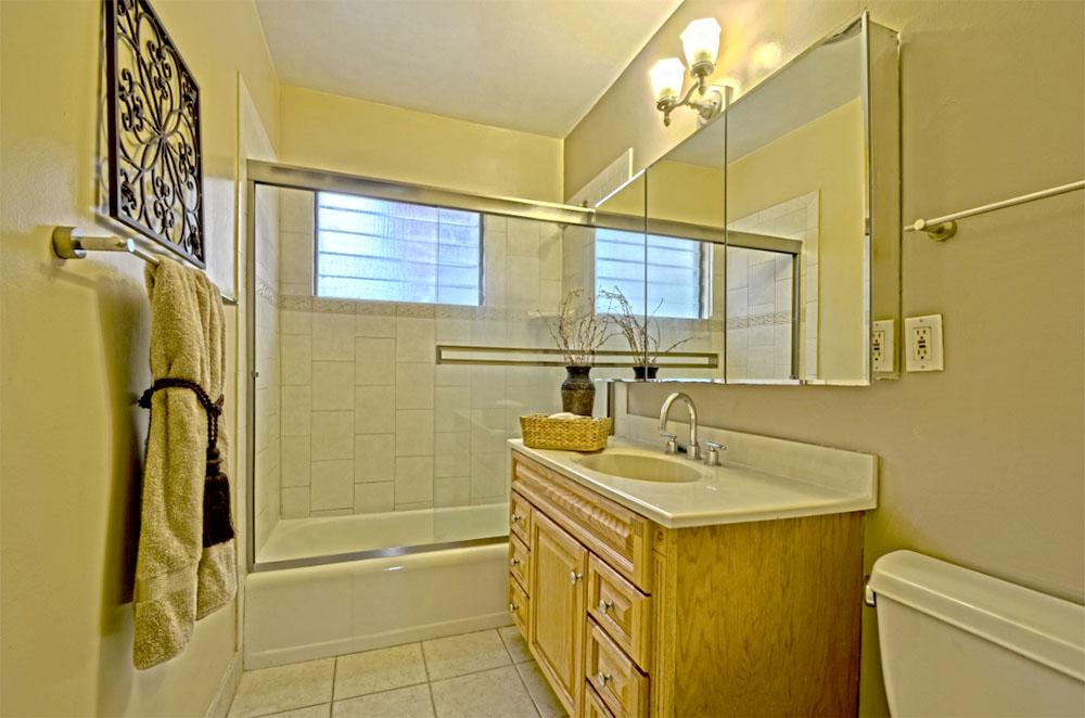 2111 Emerald St. San Diego, CA 92109