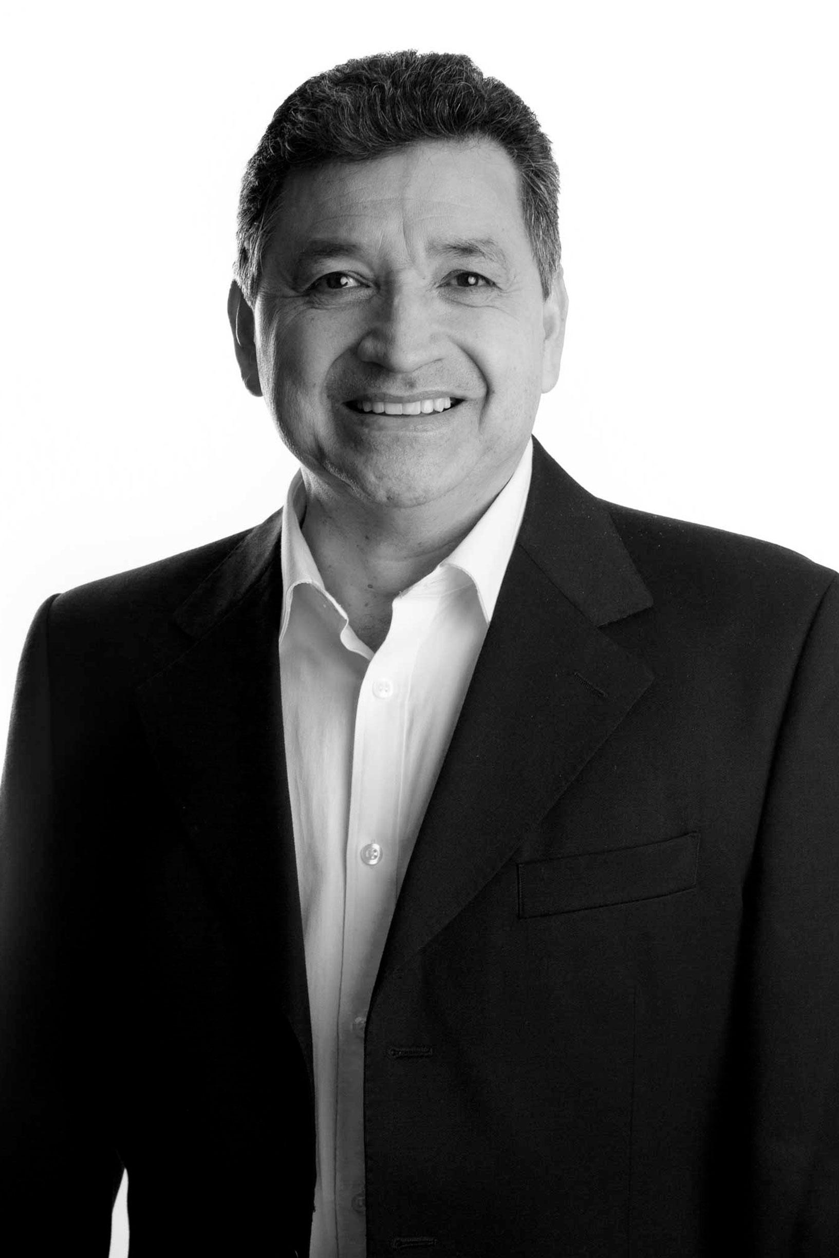 Dr. Anibal García