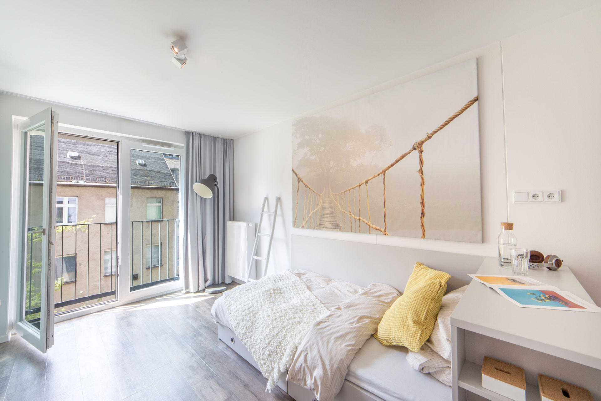 student housing berlin furnished apartments the fizz. Black Bedroom Furniture Sets. Home Design Ideas