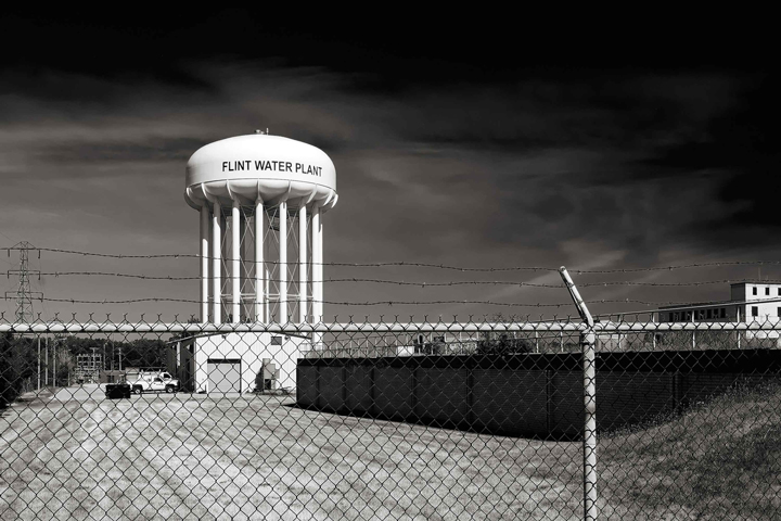 The Flint Water Plant tower in Flint, MI. As of 2017, the Flint water crisis remains ongoing. Photo by George Thomas, licensed under (CC BY-NC-ND 2.0).