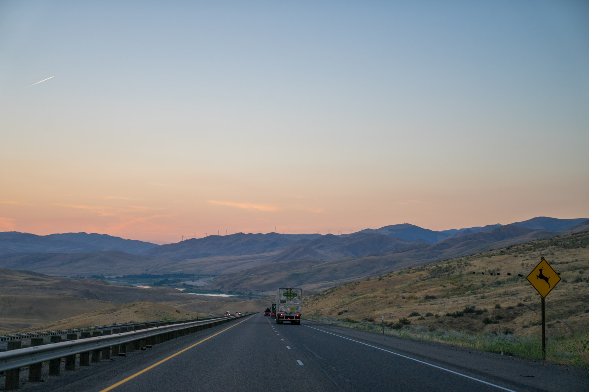 A road heads towards the mountains of Oregon.