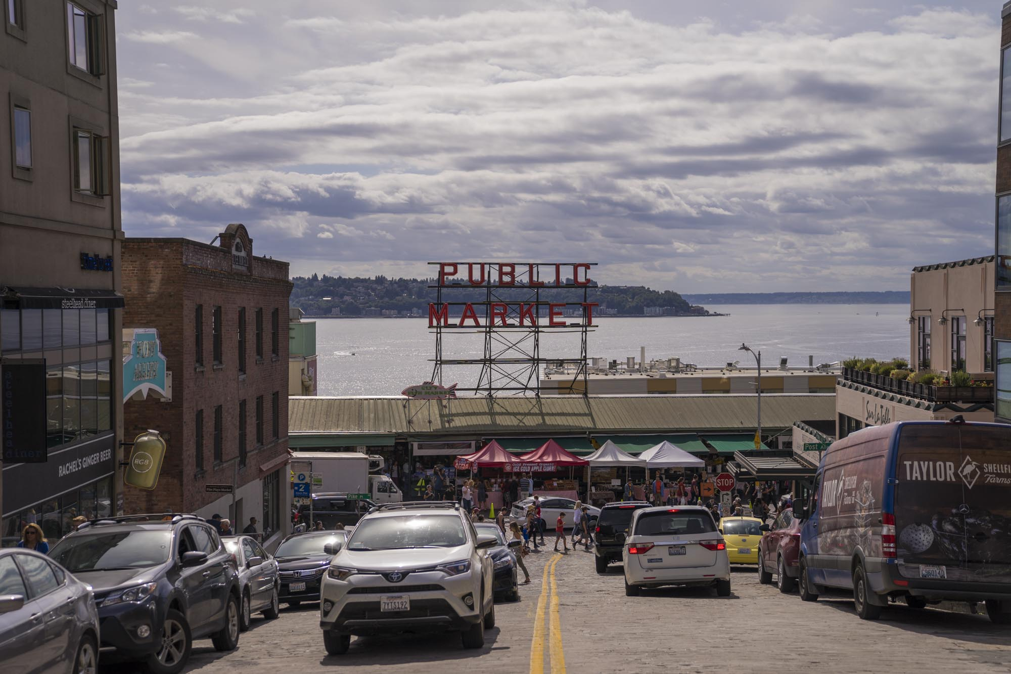 Street view of Pike's Place in Seattle.